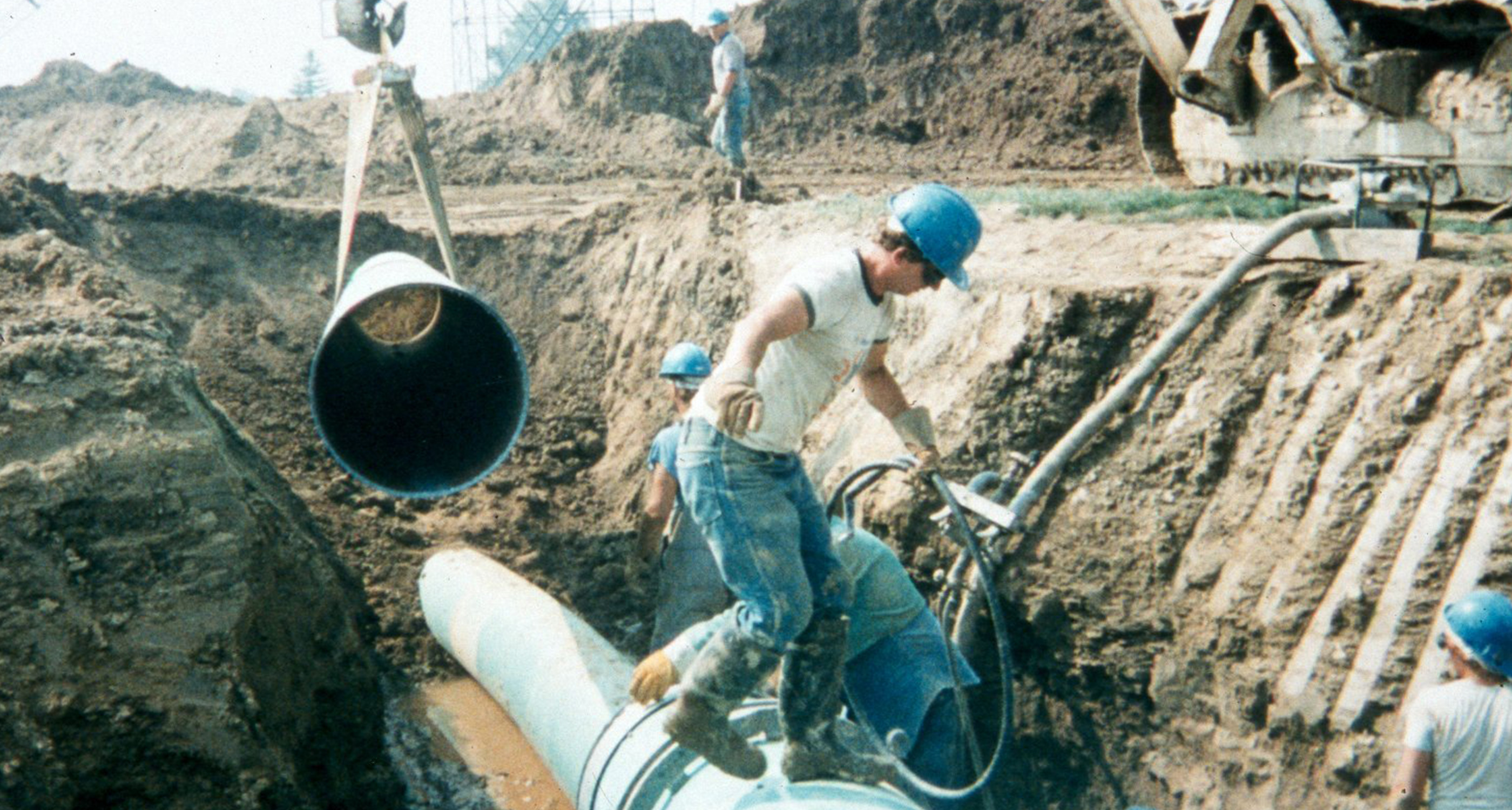Corrosion Service installing pipelines